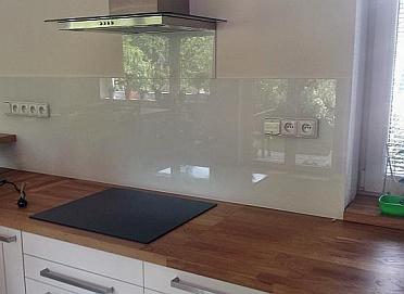 Kalené sklo za plynový sporák